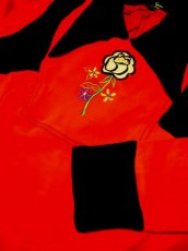 画像5: ヨーロッパ古着 お花刺繍がキュート!!大人かわいい♪Aラインレトロワンピース 赤×黒 (5)