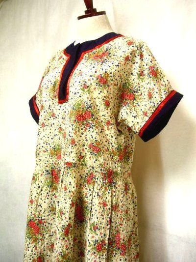 画像1: ヨーロッパ古着×レトロガーリー×小花柄×サテンリボン装飾×ふんわり可愛いヴィンテージワンピース