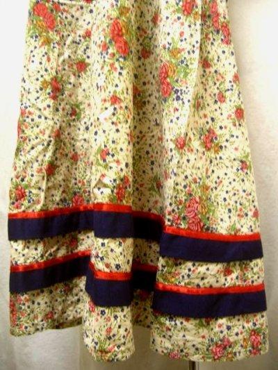 画像2: ヨーロッパ古着×レトロガーリー×小花柄×サテンリボン装飾×ふんわり可愛いヴィンテージワンピース
