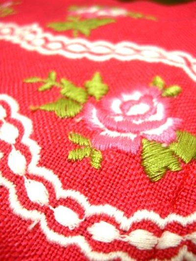 画像2: 乙女なピンクカラー お花刺繍×ふんわりシルエットが可愛い オーストリア製 ディアンドル チロルワンピース ドイツ民族衣装 舞台 演奏会 フォークダンス オクトーバーフェスト 【1635】