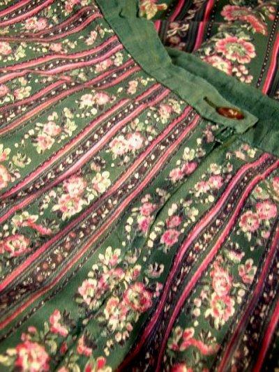 画像3: フォークロア×レトロフラワー シルエットがとっても綺麗 チロルスカート ドイツ民族衣装 舞台 演劇 演奏会 フォークダンス オクトーバーフェスト 【6641】