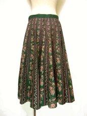 画像2: フォークロア×レトロフラワー シルエットがとっても綺麗 チロルスカート ドイツ民族衣装 舞台 演劇 演奏会 フォークダンス オクトーバーフェスト 【6641】 (2)