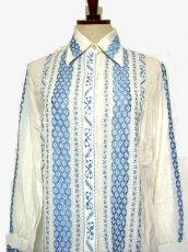 画像4: 贅沢な刺繍が可愛い めずらしい ヨーロッパ古着 ヴィンテージ長袖刺繍ブラウス【1740】 (4)