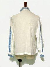 画像3: 贅沢な刺繍が可愛い めずらしい ヨーロッパ古着 ヴィンテージ長袖刺繍ブラウス【1740】 (3)