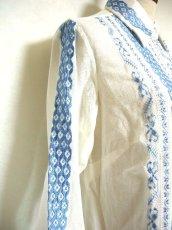 画像5: 贅沢な刺繍が可愛い めずらしい ヨーロッパ古着 ヴィンテージ長袖刺繍ブラウス【1740】 (5)