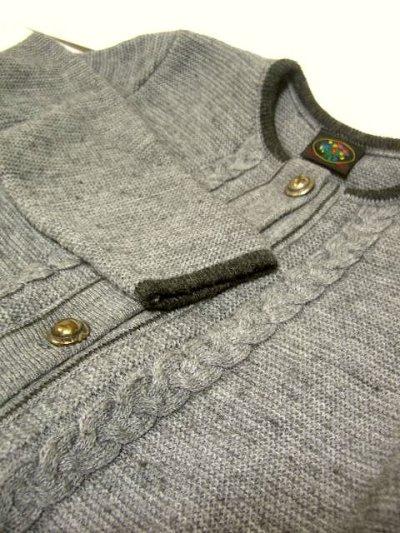 画像3: ☆ ヨーロッパ古着 オーストリア製 ぷっくりとした編み模様☆後ろから見ても素敵なチロルニットカーディガン グレー ☆