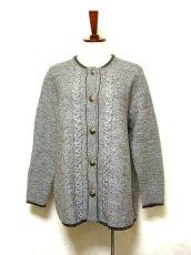画像1: ☆ ヨーロッパ古着 オーストリア製 ぷっくりとした編み模様☆後ろから見ても素敵なチロルニットカーディガン グレー ☆ (1)