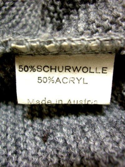 画像2: ☆ ヨーロッパ古着 オーストリア製 ぷっくりとした編み模様☆後ろから見ても素敵なチロルニットカーディガン グレー ☆