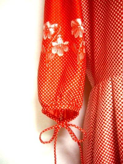 画像2: ヨーロッパ古着 ドット×レトロフラワーがキュート★胸元と袖にリボン♪レトロワンピース