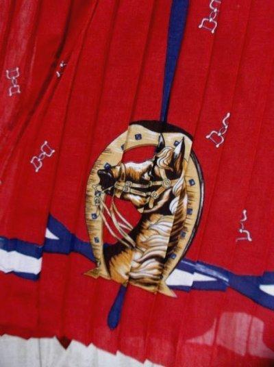 画像2: 馬柄×スカーフ柄が素敵すぎる×70's大人レトロヴィンテージワンピース×プリーツ