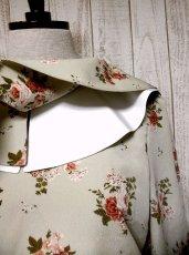 画像4: 大きな襟!2重襟が可愛い♪アンティークフラワー柄!!レトロガーリーヴィンテージワンピース (4)