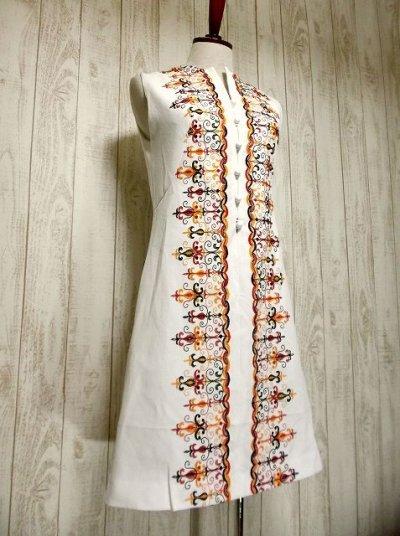 画像2: ヨーロッパヴィンテージ×刺繍だけで主役級×ぷっくり刺繍が可愛い×キレイなシルエットラインヴィンテージワンピース