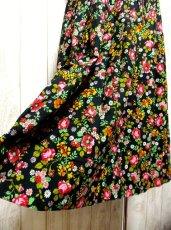 画像4: ☆ ヨーロッパヴィンテージ お花畑のようなアンティークフラワープリント柄♪乙女ガーリーフレアスカート ☆ (4)