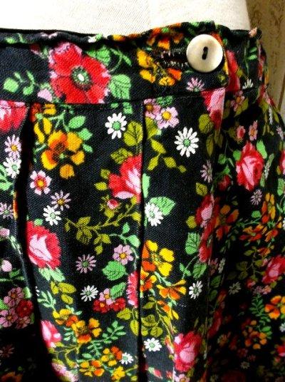 画像2: ☆ ヨーロッパヴィンテージ お花畑のようなアンティークフラワープリント柄♪乙女ガーリーフレアスカート ☆