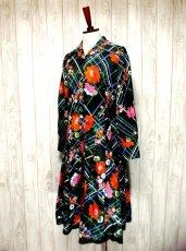 画像2: ヨーロッパ古着 とびきり可愛い!!レトロポップフラワー×チェック柄 !!レース装飾♪大人可愛いヴィンテージドレス (2)