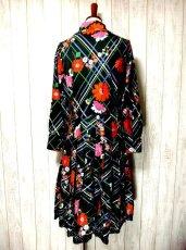 画像3: ヨーロッパ古着 とびきり可愛い!!レトロポップフラワー×チェック柄 !!レース装飾♪大人可愛いヴィンテージドレス (3)