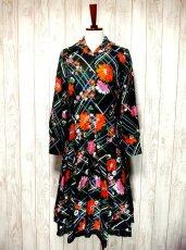 画像1: ヨーロッパ古着 とびきり可愛い!!レトロポップフラワー×チェック柄 !!レース装飾♪大人可愛いヴィンテージドレス (1)