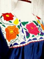 画像4: ヨーロッパ古着 ぷっくりお花刺繍が魅力的!!ふんわりラインが可愛い♪ヴィンテージドレスワンピース ネイビー×オフホワイト (4)