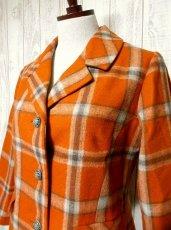 画像3: ヴィンテージジャケット ヨーロッパ古着 チェック柄×オレンジカラーが可愛い♪こだわり大きめレトロボタン装飾 (3)