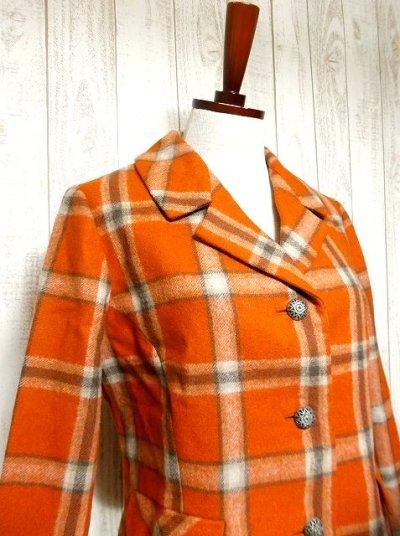 画像1: ヴィンテージジャケット ヨーロッパ古着 チェック柄×オレンジカラーが可愛い♪こだわり大きめレトロボタン装飾