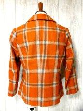 画像2: ヴィンテージジャケット ヨーロッパ古着 チェック柄×オレンジカラーが可愛い♪こだわり大きめレトロボタン装飾 (2)