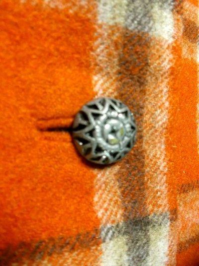 画像2: ヴィンテージジャケット ヨーロッパ古着 チェック柄×オレンジカラーが可愛い♪こだわり大きめレトロボタン装飾