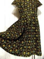 画像4: 花柄 ブラック イエロー 半袖 クラシカル ディアンドル チロルワンピース ドイツ民族衣装 舞台 演奏会 フォークダンス オクトーバーフェスト 【1369】 (4)