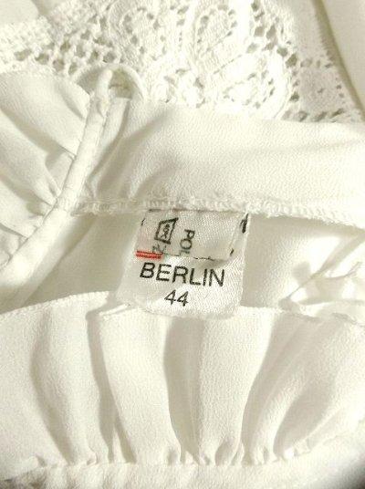 画像3: お花透かし編み刺繍レース フリル装飾がキュート ホワイト ディアンドル チロルブラウス ドイツ民族衣装 舞台 演奏会 フォークダンス オクトーバーフェスト【2775】