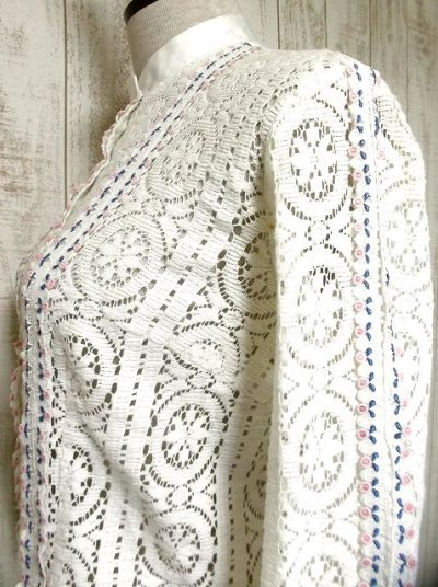 画像2: 贅沢なアンティークレース使いが素晴らしい ホワイト ディアンドル チロルブラウス ドイツ民族衣装 舞台 演奏会 フォークダンス オクトーバーフェスト【2768】