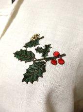 画像4: 薔薇ボタン 胸元刺繍 ホワイト ディアンドル チロルブラウス ドイツ民族衣装 舞台 演奏会 フォークダンス オクトーバーフェスト  【2127】 (4)