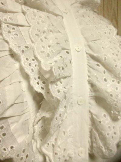 画像2: フリルたっぷり 後ろから見ても可愛い ホワイト ディアンドル チロルブラウス ドイツ民族衣装 舞台 演奏会 フォークダンス オクトーバーフェスト【2847】