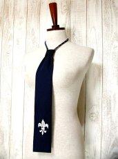 画像3: ヨーロッパ古着 刺繍入りネクタイ付きデザイン♪レトロマリン×ストライプ柄!!主役級デザイン!!ヴィンテージワンピース ネイビー×ホワイト (3)
