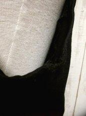 画像4: ☆ ヨーロッパ古着 とびきり主役級!!フラワー刺繍チロルベスト 黒 ☆ (4)