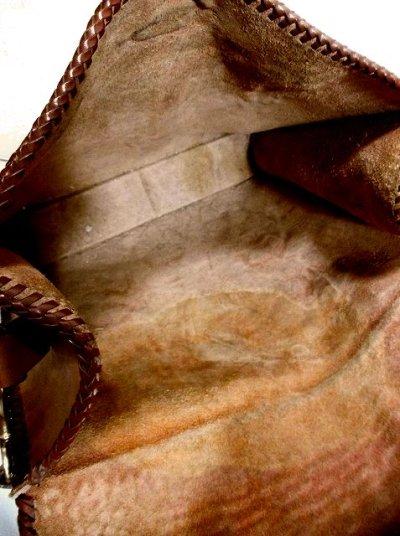 画像3: ☆ 見たことがない!!素晴らしい鹿&馬&フラワー彫り!!なかなか巡りあえない逸品★大きめサイズで使い勝手も抜群〜!!☆稀少な本革レザー型押しバック♪ ☆