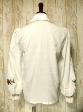 画像5: ぷっくりお花刺繍・ステッチがキュート 袖にも刺繍 ヨーロッパ古着 大人ガーリーなヴィンテージ長袖スモックブラウス【2970】 (5)