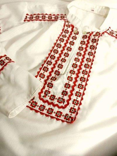 画像2: 刺繍×リボン装飾が可愛すぎる 大人の可愛さが沢山 めずらしいデザイン ヨーロッパ古着 ヴィンテージ長袖スモックブラウス【2969】