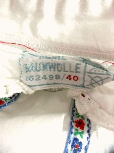 画像3: お花柄チロルテープリボン装飾 ホワイト ディアンドル チロルブラウス ドイツ民族衣装 舞台 演奏会 フォークダンス オクトーバーフェスト 【2916】