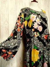画像2: USA古着 レトロPOPサイケフラワー★ドット×アンティークレース柄が魅力的ー!!バルーン袖も可愛い♪レトロサイケヴィンテージドレス (2)