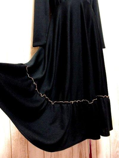 画像2: ヨーロッパ古着 ドット柄×goldリボン装飾〜♪首元・スカートフリルも素敵ー!!ふんわりスカートラインの大人クラシカルヴィンテージドレス 黒