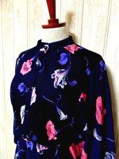 画像3: ヨーロッパ古着 tops・skirt はプリーツ〜♪綺麗なフラワー柄×カラーリングの組み合わせが魅力的★華やか大人ヴィンテージドレス (3)