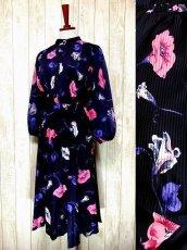 画像1: ヨーロッパ古着 tops・skirt はプリーツ〜♪綺麗なフラワー柄×カラーリングの組み合わせが魅力的★華やか大人ヴィンテージドレス (1)