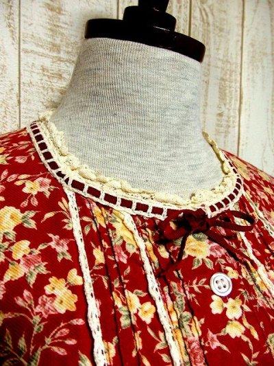 画像1: レース装飾×首元リボン結び♪レトロアンティークな花柄が広がる☆ カタチが可愛い!!ふんわりヴィンテージドレス 前開きOK