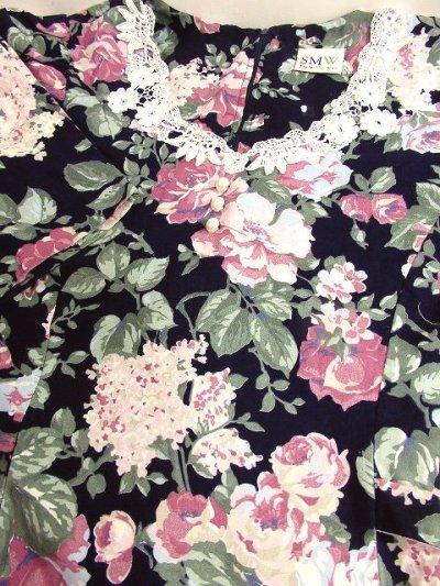 画像3: USA古着×アンティークレース襟×パール調ボタン×後ろリボン結び×ネイビー地にレトロアンティークフラワー柄が広がる大人ガーリーヴィンテージドレス