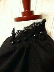 画像5: ヨーロッパ古着 胸元ドレープライン×レース装飾が素敵〜♪ふんわりスカートライン 大人クラシカルヴィンテージドレス 黒 (5)
