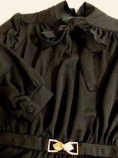 画像5: ヨーロッパ古着 Italy製★胸元リボン×レトロアンティークなバックルベルトが素敵〜♪大人クラシカルヴィンテージドレス 黒★ベルトSET (5)