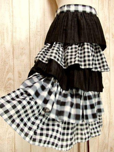 画像1: ☆ ヨーロッパ古着 モノクロ×チェック柄♪大人ガーリーな5段ティアードスカート ☆