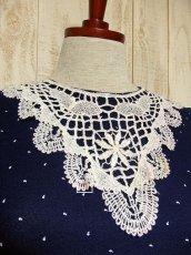 画像5: USA古着 ホワイトアンティークレース襟が可愛い♪ネイビー地に小さなカンマ柄♪が広がる 大人ガーリーヴィンテージドレス ベルト紐SET (5)