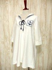 画像2: USA古着 レトロマリン×ガーリー♪大きな襟・マリンテイスト刺繍が可愛い!!胸元リボン結び。マリンルックスタイルワンピース ネイビー×オフホワイト (2)