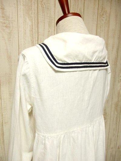 画像2: USA古着 レトロマリン×ガーリー♪大きな襟・マリンテイスト刺繍が可愛い!!胸元リボン結び。マリンルックスタイルワンピース ネイビー×オフホワイト