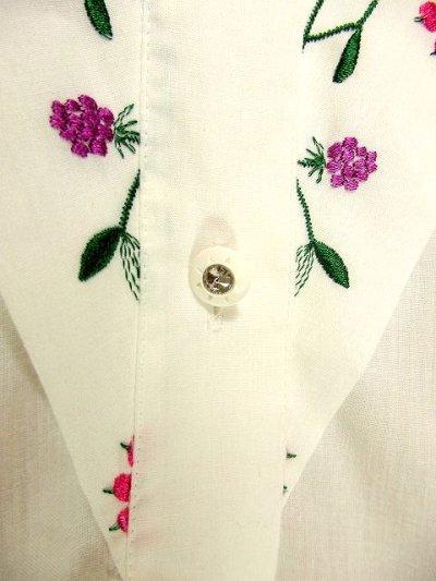 画像2: 木の実柄刺繍がめずらしい ホワイト ディアンドル チロルブラウス ドイツ民族衣装 舞台 演奏会 フォークダンス オクトーバーフェスト【3367】